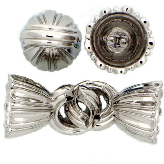 Clasps consists of 2 Caps;  diameter inside 9mm. Each of  the two caps have 2 holes  for fixing the string but you can also gluing in a Pearl.