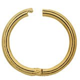 This Twist Ring will make a variable arrangement of your necklace possible 34052-03-01-00-000