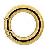 This Twist Ring will make a variable arrangement of your necklace possible 34410-03-01-00-000